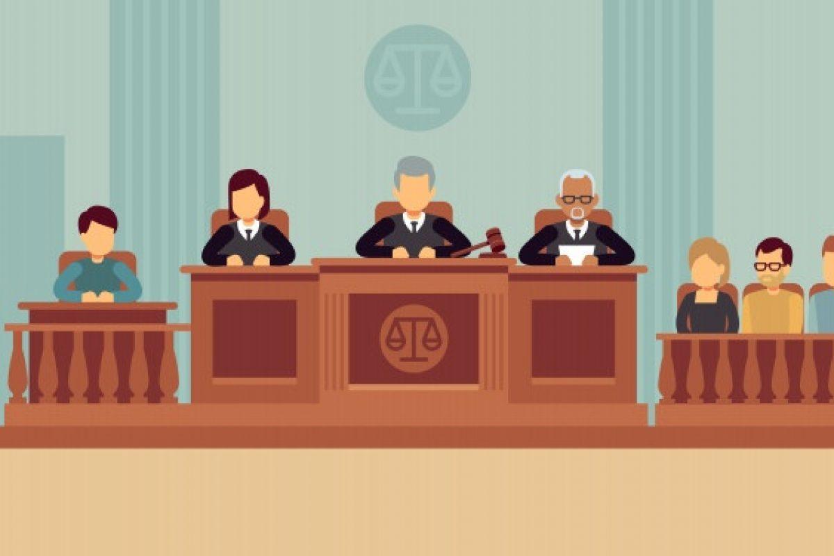 interior-tribunal-jueces-abogado_53562-6431
